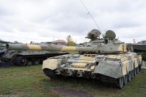Tiếc nuối dàn tăng thiết giáp Liên Xô gỉ sét trong bảo tàng
