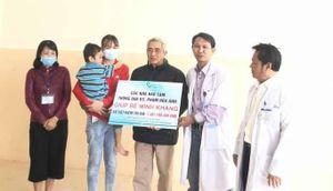 Đắk Lắk: Cháu bé bị cha đẻ chém nguy kịch đã được xuất viện