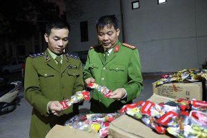 Phát hiện hơn 16.000 túi chân gà tẩm ướp gia vị nhập lậu