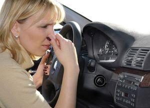 Các loại mùi khét trên xe ô tô cảnh báo nguy hiểm và cách nhận biết