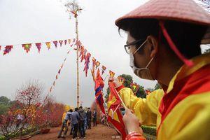 Tái dựng nghi lễ dựng cây nêu, thả cá chép ở cung đình Thăng Long