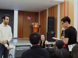 SV Đại học Ngoại thương TPHCM xây dựng Thương hiệu biểu tượng cùng chuyên gia