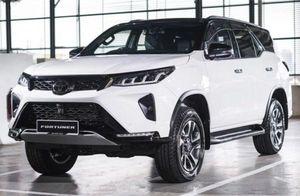 So với Việt Nam, Toyota Fortuner 2021 bán tại Malaysia có những trang bị gì?