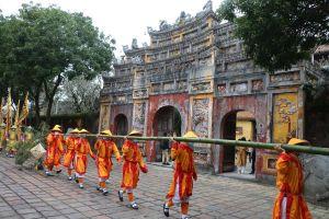 Tái hiện lễ thượng nêu ngày Tết trong Hoàng cung