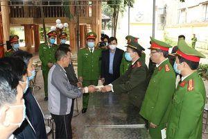 Thăng quân hàm trung tá cho sĩ quan công an hy sinh khi vây bắt tội phạm