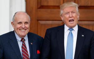 Luật sư riêng 'chia tay' Trump khi nhiều cuộc chiến pháp lý vẫn chưa kết thúc