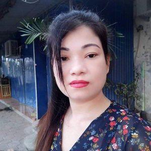 Cô dâu 41 tuổi có vòng 1 'khủng' được chồng kém 20 tuổi lo bị vợ bỏ