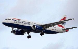 Sống sót thần kỳ sau 11 giờ ngồi ở càng máy bay để vượt biên từ Nam Phi đến Anh