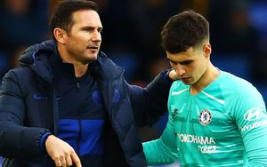Thủ môn đắt nhất thế giới phủ nhận mâu thuẫn với HLV Lampard
