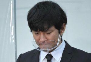 Tài tử Nhật Bản làm việc ở chợ cá sau bê bối tình dục chấn động