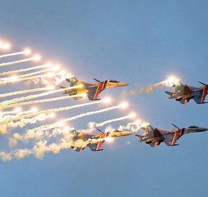 Máy bay ném bom Tu-160 'vờn nhẹ' Bắc Âu: Nga đưa 'đầu não' NATO vào tầm ngắm?