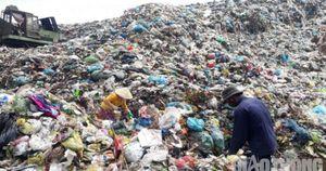 Bãi rác Tân Tạo quá tải, bốc mùi hôi thối khủng khiếp, dân than trời