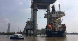 Cầu Phước Khánh thiệt hại thế nào sau vụ tàu container đâm sập cẩu tháp?