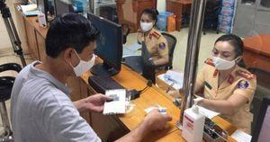 Người dân 4 quận nội thành Hà Nội phải đổi địa chỉ đăng ký xe