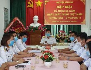 Học viện Hải quân gặp mặt và chúc mừng cán bộ, nhân viên quân y