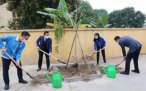 Tuổi trẻ Thủ đô trồng 15.000 cây xanh trong Tháng Thanh niên