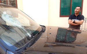 Đập phá ô tô đỗ trước nhà tại TP.Pleiku
