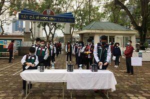 Học sinh Thủ đô trở lại trường sau kỳ nghỉ dài chống dịch