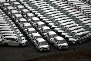 Xe nhập nguyên chiếc trong tháng 2 sụt giảm