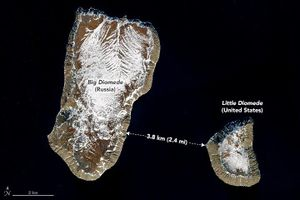 'Du hành ngược thời gian' nơi hai hòn đảo cách nhau chưa đầy 4 km