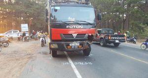Gia Lai: 1 buổi chiều tối, 2 xe máy đều tông ô tô tải, 3 người tử vong