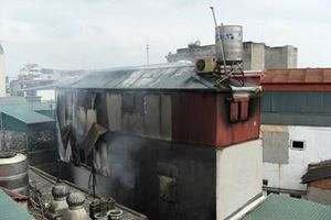 Không có thiệt hại về người trong vụ cháy tại phố Gầm Cầu, phường Hàng Mã
