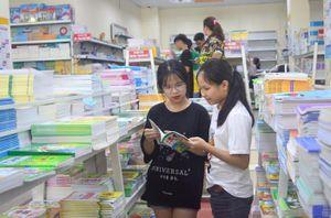 Không được 'ép' học sinh mua sách tham khảo