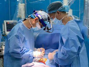 Bác sĩ 'bắt' trái tim ngừng đập để 'hồi sinh' bệnh nhi 5 tuổi