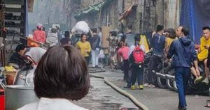 Bác tin đồn cháy chợ Đồng Xuân, có vụ cháy ở nhà ngõ Gầm Cầu