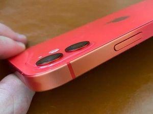 iPhone 12 phai màu sau nửa năm sử dụng