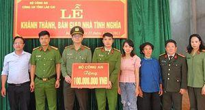 Trao nhà tình nghĩa tặng cán bộ có hoàn cảnh khó khăn tại huyện Si Ma Cai