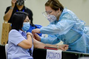 Y tá Philippines tử vong do mắc Covid-19 sau tiêm vaccine Sinovac