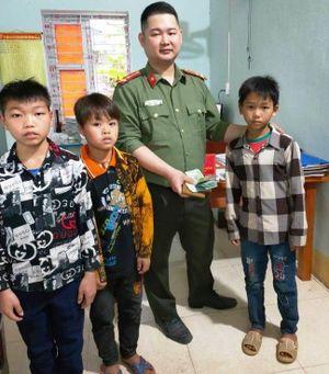 Hà Giang: Học sinh nhặt được hơn 11 triệu đồng trả lại người đánh rơi