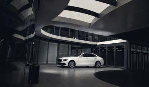 Mercedes-Benz E-Class phiên bản nâng cấp ra mắt Việt Nam