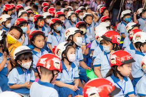 Tỷ lệ đội mũ bảo hiểm ở trẻ em tại Việt Nam tăng 42%