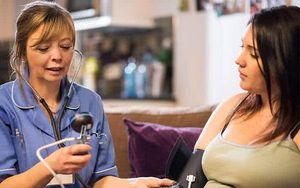 Huyết áp bà bầu bao nhiêu là cao? Mẹ bầu sẽ gặp nguy hiểm gì khi bị cao huyết áp?