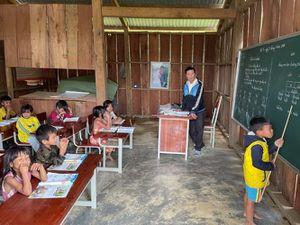 Triển khai Chương trình, sách giáo khoa lớp 2, lớp 6: Bài học từ vùng khó