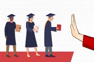 Liệu giới trẻ có đang 'ảo tưởng' về giá trị của bằng cấp?