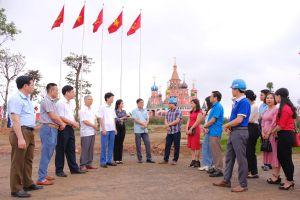 Hội viên Hội nhà báo tỉnh thực tế tại T.X Phổ Yên