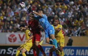 Lâm Anh Quang ghi bàn, Nam Định FC thắng Sông Lam Nghệ An ở phút bù giờ