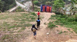 'Điều ước cho em' tại Thanh Hóa: Nhu cầu bức thiết nhà vệ sinh trường học vùng cao