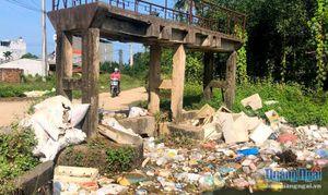 Cần giải quyết bài toán ô nhiễm môi trường trên các tuyến kênh
