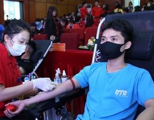 Hiến 1 nghìn đơn vị máu cứu người