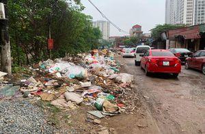 Phố Nguyễn Cảnh Dị nhếch nhác, mất mỹ quan đô thị