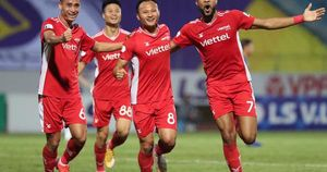 CLB Hà Nội và CLB Viettel: 2 thẻ đỏ, 1 bàn thắng