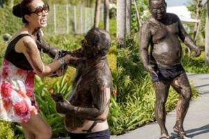 Hiếm hoi siêu mẫu Thúy Hạnh đăng ảnh chồng 'đen thui' khiến dân mạng 'cười không ngậm được miệng'