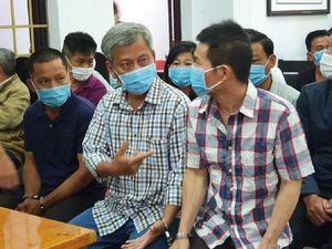 Đắk Nông: 39 bị cáo trong đường dây sản xuất xăng giả do Trịnh Sướng cầm đầu hầu tòa