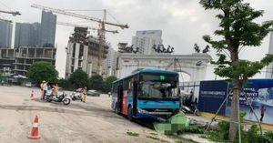 Xe buýt mất phanh đâm tử vong người đi bộ