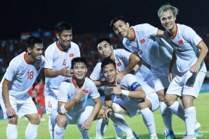 Đội tuyển Việt Nam tiếp tục thăng hạng