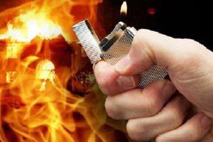 Thanh Hóa: Yêu bất thành, mang xăng đến đốt nhà chị gái người yêu